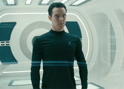 Un primo piano di Benedict Cumberbatch in Star Trek Into Darkness