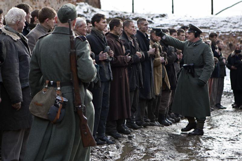 In Darkness: Benno Fürmann in una drammatica scena del film