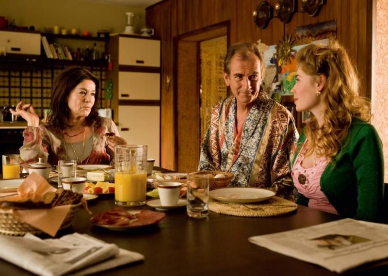 Hannelore Elsner, Peter Prager e Palina Rojinski nella commedia tedesca Jesus Loves Me