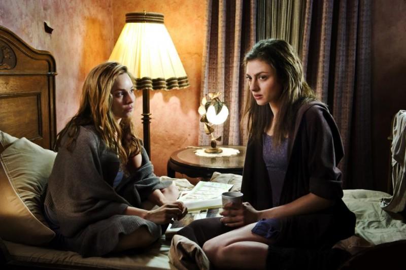 Mina Tander con Laura de Boer nel film Du hast es versprochen