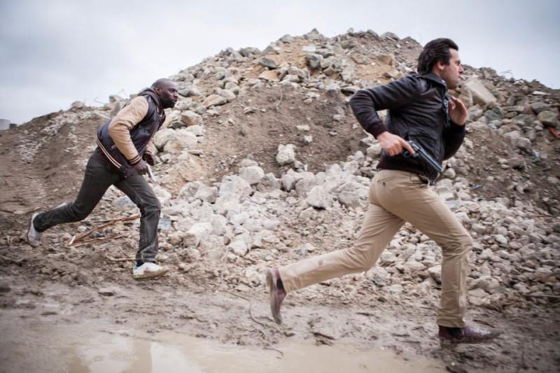 Omar Sy e Laurent Lafitte sono i protagonisti della commedia De l'autre côté du périph