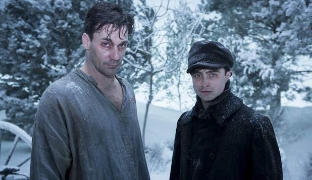 A Young Doctor's Notebook: Jon Hamm e Daniel Radcliffe in una foto della serie