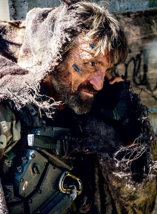 Elysium: un irriconoscibile Sharlto Copley sul set del film