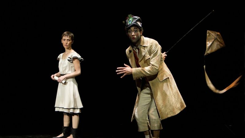 Cirque du Soleil: Mondi lontani 3D, i protagonisti Erica Kathleen Linz e Igor Zaripov in una scena