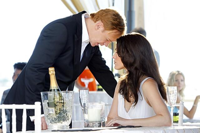 CSI Miami: Alana De La Garza e David Caruso in un momento dell'episodio Contromisure della decima stagione