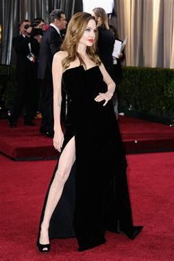 Oscar 2012: Angelina Jolie sul red carpet