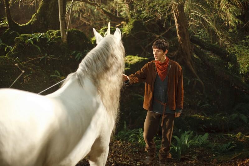 Merlin: Colin Morgan durante una scena dell'episodio Il labirinto Gedref, della prima stagione