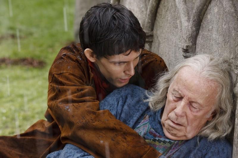 Merlin: Colin Morgan e Richard Wilson in un momento dell'episodio La morte di Artù, della prima stagione