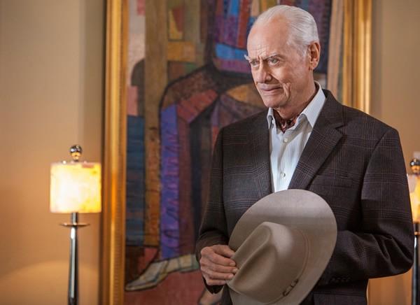 Dallas: Larry Hagman in una scena dell'episodio Venomous Creatures della seconda stagione