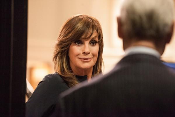 Dallas: Linda Gray durante una scena dell'episodio Venomous Creatures della seconda stagione