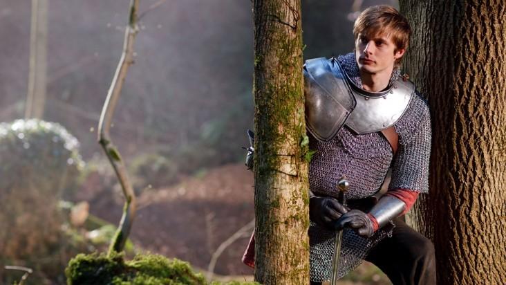 Merlin: Bradley James durante una scena dell'episodio L'incubo ha inizio, della seconda stagione