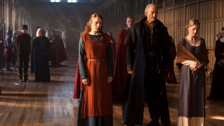 Merlin: Charles Dance e Samara MacLaren in una scena dell'episodio Il cacciatore di streghe della seconda stagione