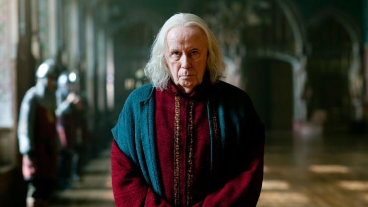 Merlin: Richard Wilson in una scena dell'episodio La dama del lago, della seconda stagione