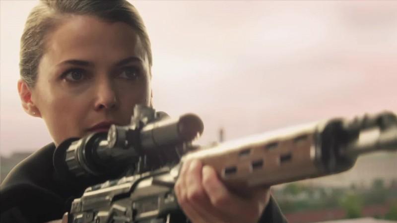 The Americans: Keri Russell in un momento del primo episodio della serie