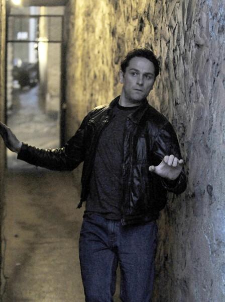 The Americans: Matthew Rhys in una scena del primo episodio della serie