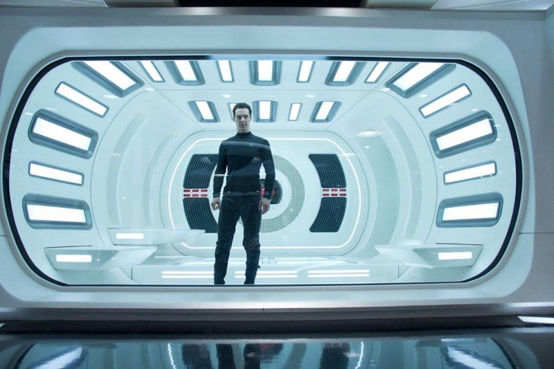 Benedict Cumberbatch, imprigionato nella cella di vero dell'Enterprise, in Star Trek Into Darkness
