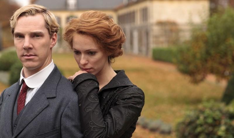 Benedict Cumberbatch e Rebecca Hall in un'immagine promozionale di Parade's End