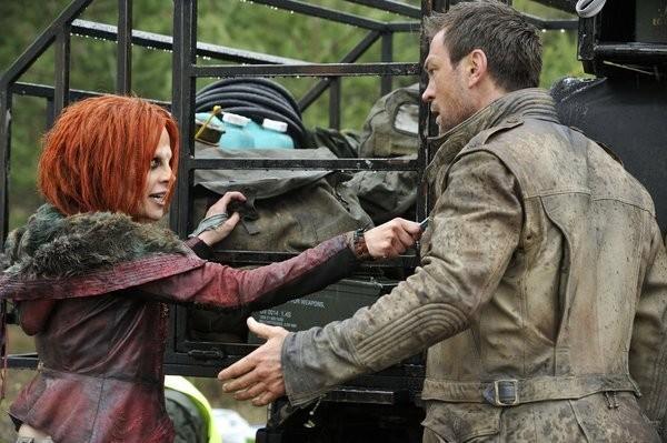 Defiance: Grant Bowler e Stephanie Leonidas nel pilot della serie