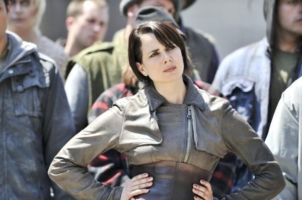 Defiance: Mia Kirshner nel pilot della serie
