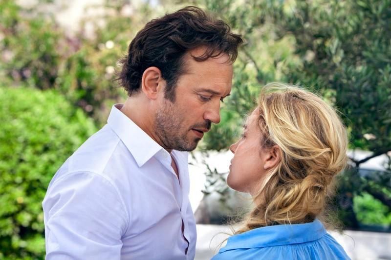 Vincent Perez con Vahina Giocante in Un prince (presque) charmant: una scena del film