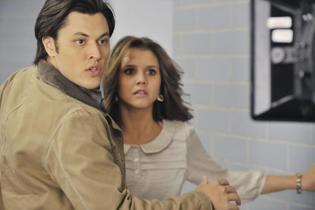 The Lying Game: Blair Redford e Alexandra Chando nell'episodio Dead Man Talking