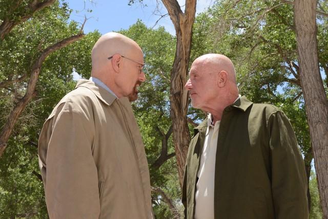 Breaking Bad: Jonathan Banks e Bryan Cranston in una scena dell'episodio Say My Name