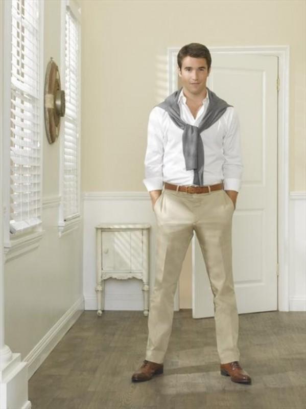 Revenge: Josh Bowman in una foto promozionale della stagione 2