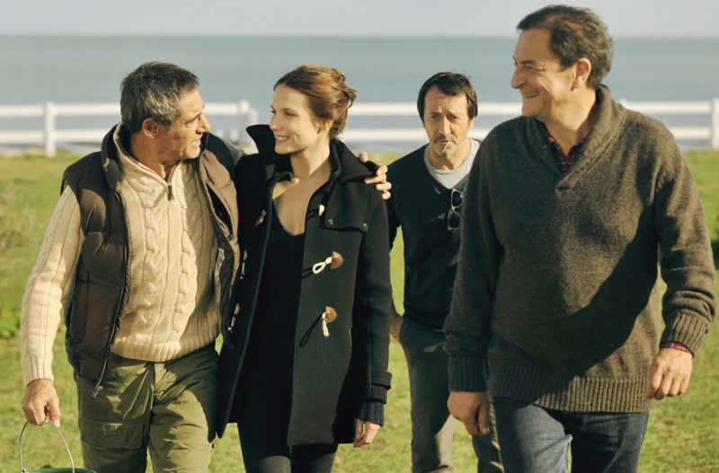 Amitiés sincères: Gérard Lanvin, Jean-Hugues Anglade, Ana Girardot e Wladimir Yordanoff in una scena