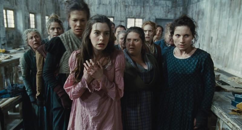 Anne Hathaway in una scena di Les Misérables