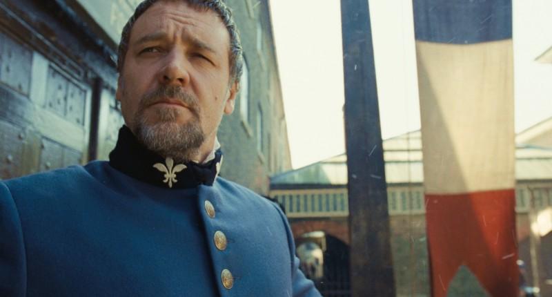 Les Misérables: Oscar Russell Crowe in una scena del film di Tom Hooper