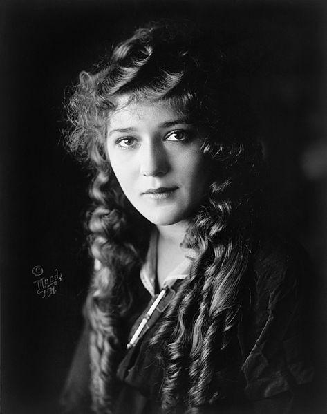 Un ritratto di Mary Pickford