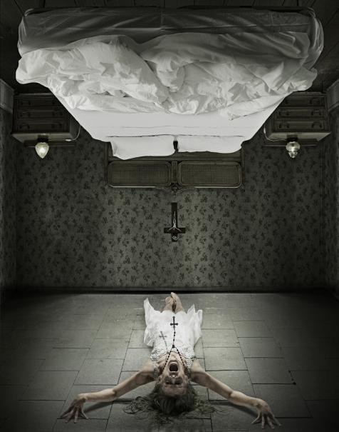 The Last Exorcism 2: Ashley Bell in una terrificante immagine promozionale