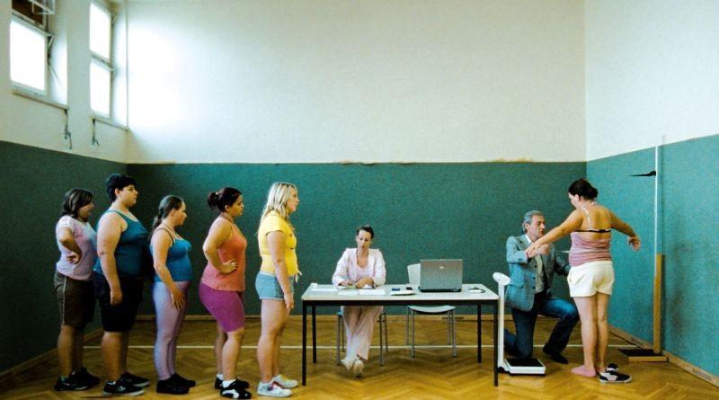 Paradise: Hope, una scena del film ambientato in una clinica di dimagrimento per adolescenti