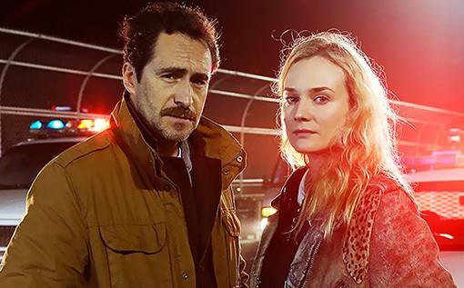 The Bridge: Demián Bichir e Diane Kruger in una foto promozionale della serie FX
