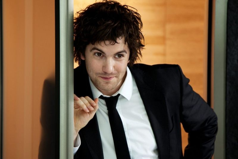 Upside Down: Jim Sturgess nei panni di Adam in un momento del film