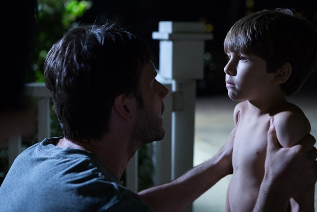 Kadan Rockett e Josh Hamilton in Dark Skies, del 2013