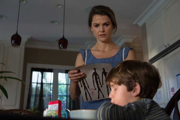 Keri Russell e Kadan Rockett in Dark Skies, del 2013