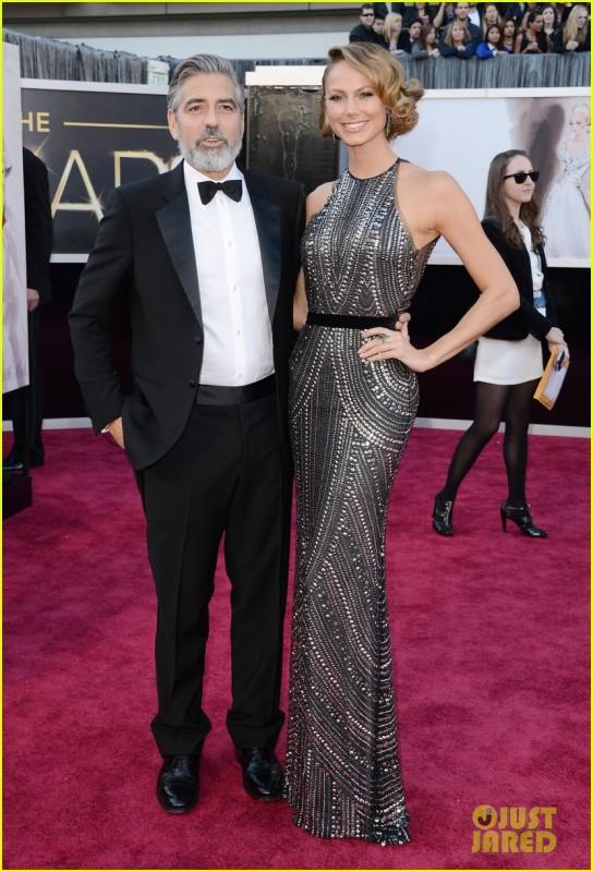 Oscar 2013: George Clooney e Stacy Keibler sul red carpet