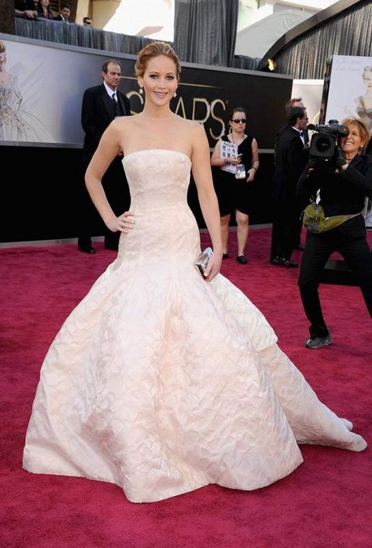 Oscar 2013: Jennifer Lawrence, una visione sul red carpet