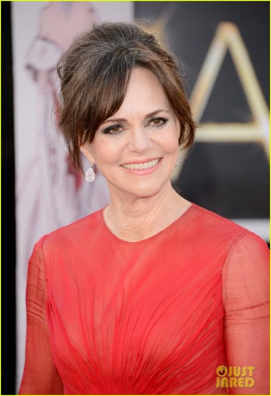 Oscar 2013: Sally Field sul red carpet