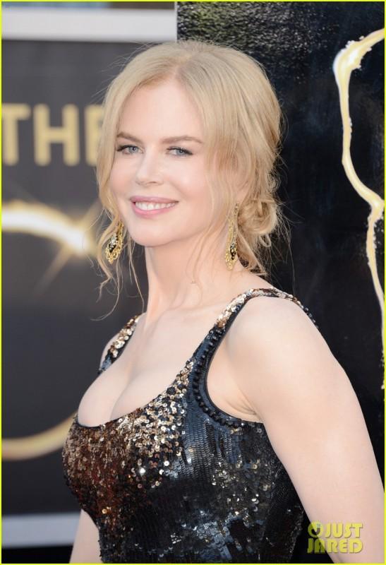 Oscar 2013:una raggiante Nicole Kidman sul red carpet