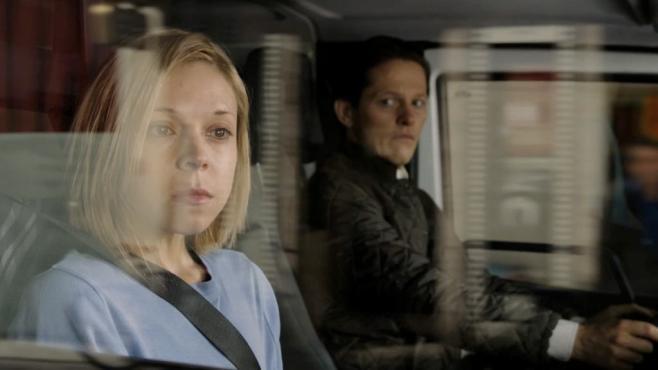 Antonia Campbell-Hughes con Thure Lindhardt in una scena di 3096