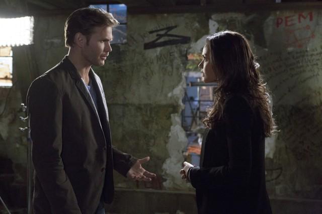 Cult: Matt Davis e Jessica Lucas nell'episodio You're Next