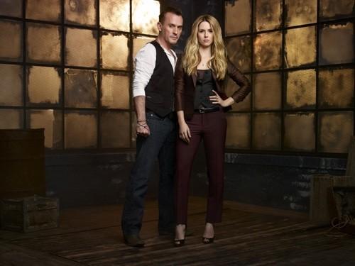 Cult: Robert Knepper ed Alona Tal in una foto promozionale della serie