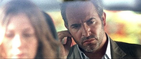 Jean Dujardin in Möbius: una scena del film del 2013