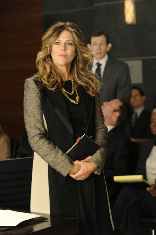 The Good Wife: Rita Wilson nell'episodio Two Girls, One Code