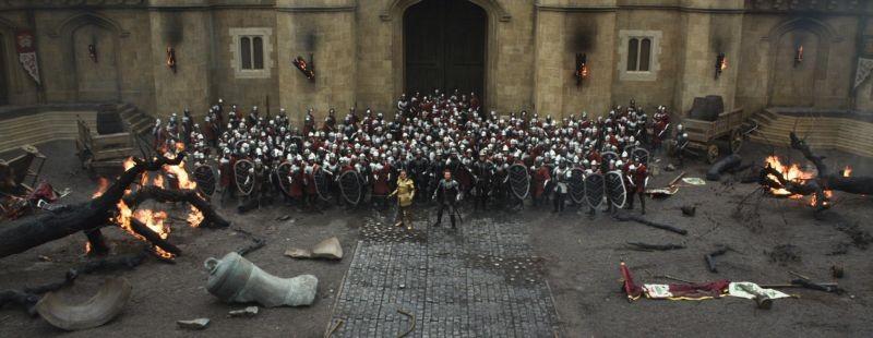 Il cacciatore di giganti: Ian McShane e Ewan McGregor schierati insieme al loro esercito in una scena
