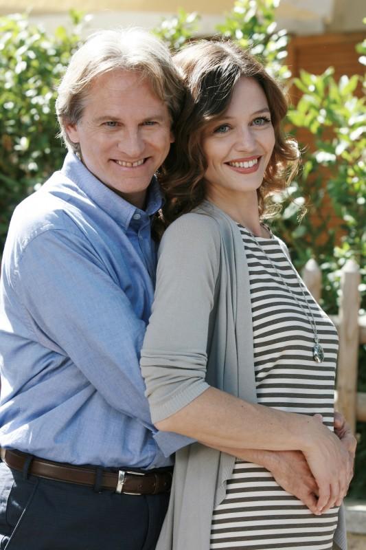 Un medico in famiglia 8: Giulio Scarpati e Francesca Cavallin in un'immagine della fiction