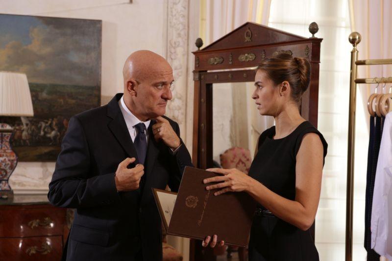 Benvenuto Presidente!: Claudio Bisio, nei panni del Presidente per caso, e Kasia Smutniak in una scena