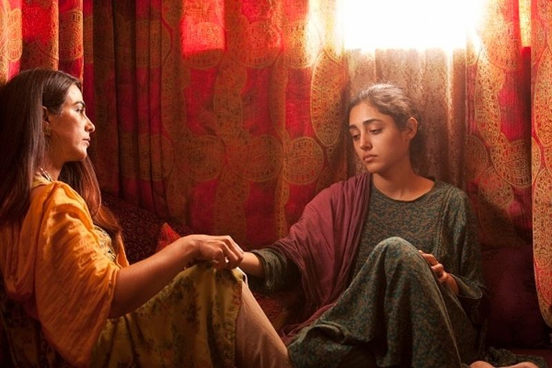 Come pietra paziente: Golshifteh Farahani e Hassina Burgan in una scena del film